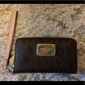 Michael Kors zip around wristlet/wallet